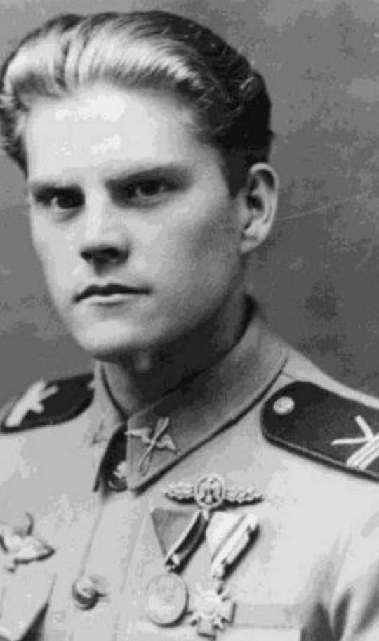 Varga László vadászpilóta